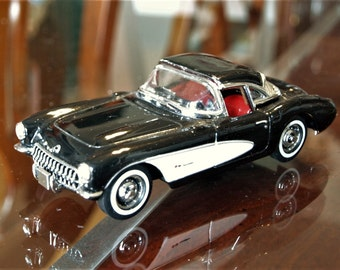 Matchbox Dinky Chevrolet Corvette 1956 Black DYG06 1:43 Scale Die Cast Model
