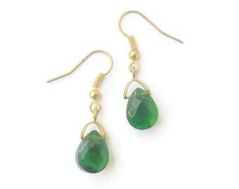 Emerald Green Crystal Teardrop Earrings / Sterling Silver or 18 Karat Gold Plate / Faceted Green Briolette Earrings / May Birthstone Color