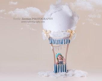 Hotair baloon blue