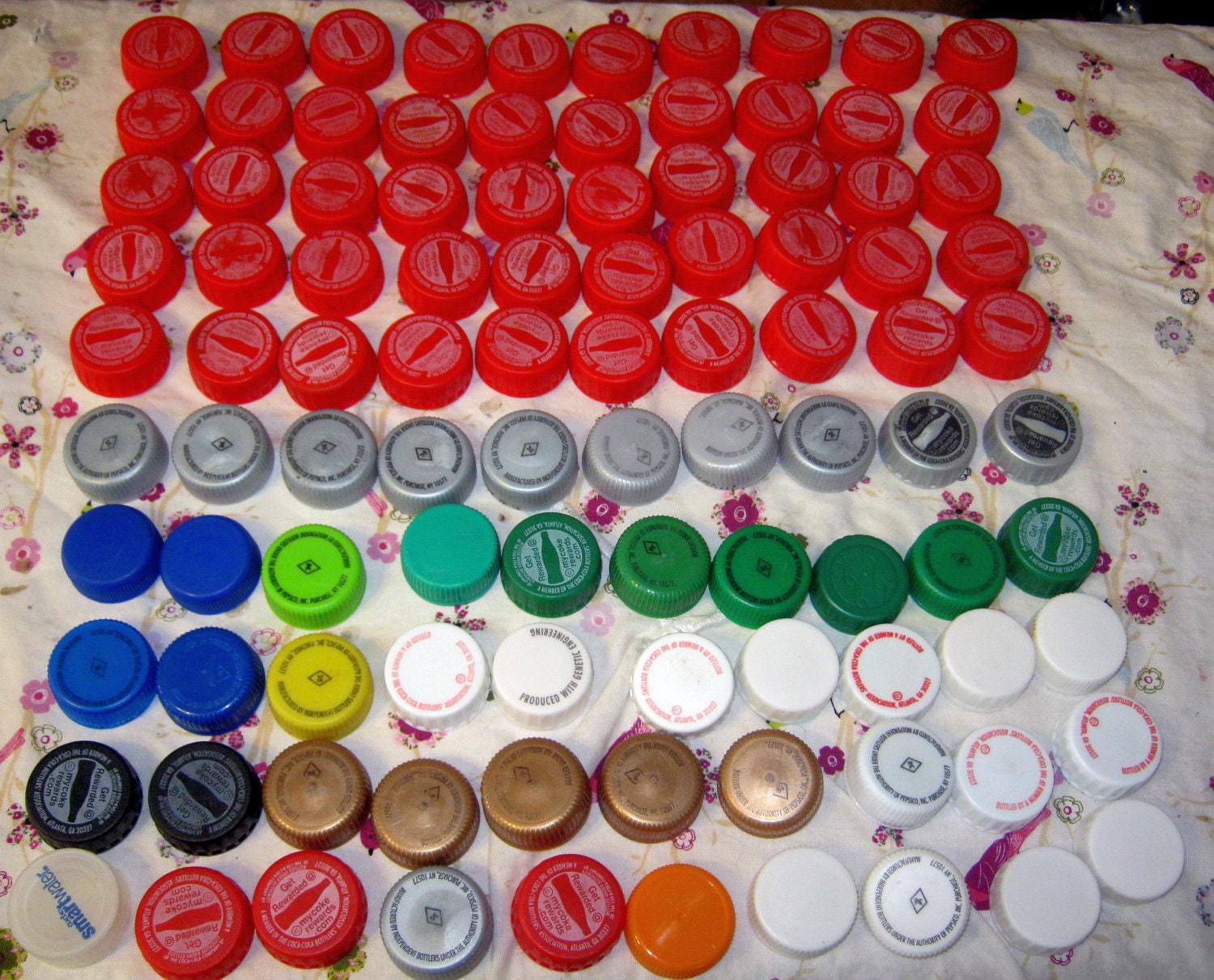 100 soda plastic bottle lids recycled crafts jewelry 2 for Plastic soda bottle crafts