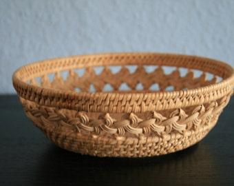 Vintage eclectic fruit basket, small basket, Wicker