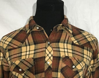 Vintage Wrangler Flannel Western Pearl Snap Rockabilly Button Down Shirt - country music - rancher (Large)