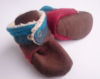 Baby booties with Native American design. Gender neutral, perfect for a boy or girl.