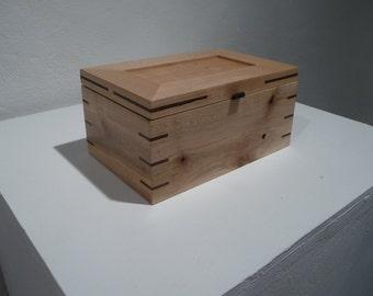 Pallet Wood Box, hinged lid