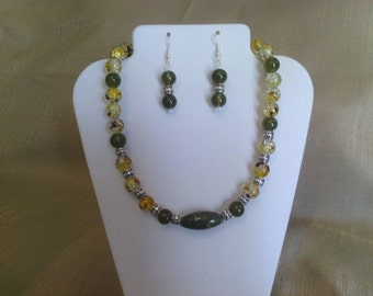 287 Elegant Jungle Jasper and Jade Style Glass Beads with Silver Plated Tube Beads and Crackle Glass Beaded Choker