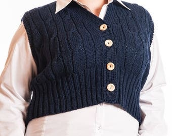 Ladies Knitted Cropped Sleeveless Cabled Cardigan