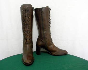 Sz 9.5 Vintage Brown Leather 1990s Italian made lace up and zip up women designer boots.