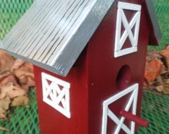 Birdhouse Barn Appearance