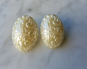Pearlized Post Earring