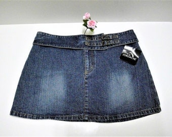 Vintage Jordache NOS Denim Low Rise Buckle Mini Skirt - Size 15/16 Ladies