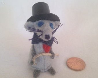 Lucky Penny Groom Mouse