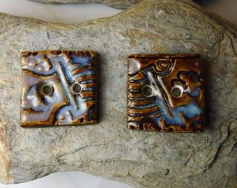 2 Ceramic Buttons / SET # 685