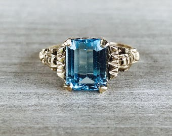 14k yellow gold and blue topaz vintage ring