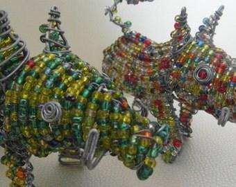 Warzenschwein aus Massai-Perlen