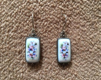 Vintage delicate silver earrings