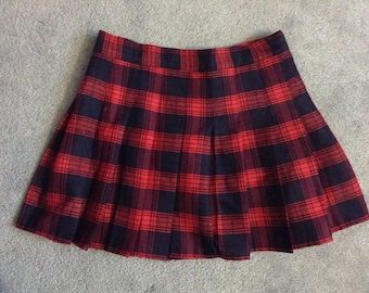 25% OFF - Women's Vintage Red and Navy Pleated Plaid/Tartan High Waisted Mini Skirt