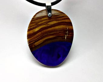 Hanging olive wood and resin