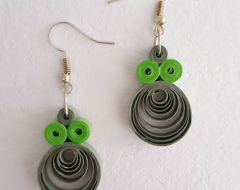Paper quilling hoop earrings