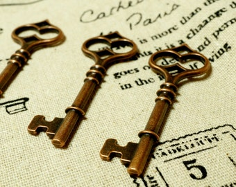 Key charm 5 copper vintage style  jewellery supplies C40