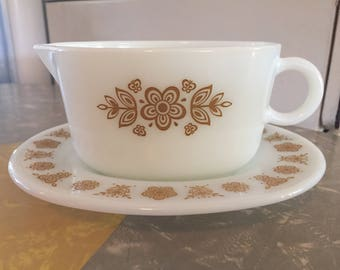 Pyrex Butterfly Gold 2 Piece Gravy Boat and Drip Plate