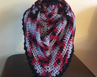 Crocheted Hand-crocheted soft triangular scarf