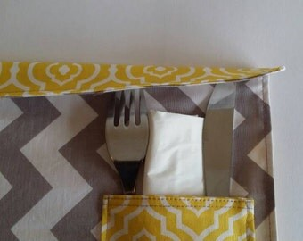Single pocket for cutlery; fabric placemat with pocket
