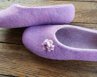 Felted slippers/ Handmade/ House shoes/ Womens slippers/ Women shoes/ Handmade slippers/ Woolen clogs/  CHRISTMAS gift