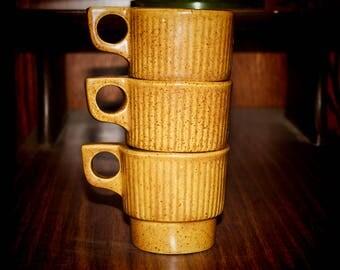 Set of 3 Monmouth Stoneware vintage stacking mugs