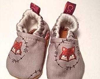 Baby booties, Crib shoes - Fox