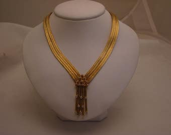Elegant 18K Gold Braided Necklace With Diamonds