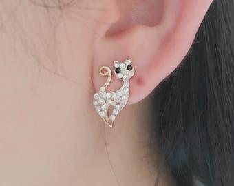 Kitten Earrings / Cat Earrings / Animal Earrings / Kitty Earring, creature earrings, post back earrings ,cute earrings ,silver