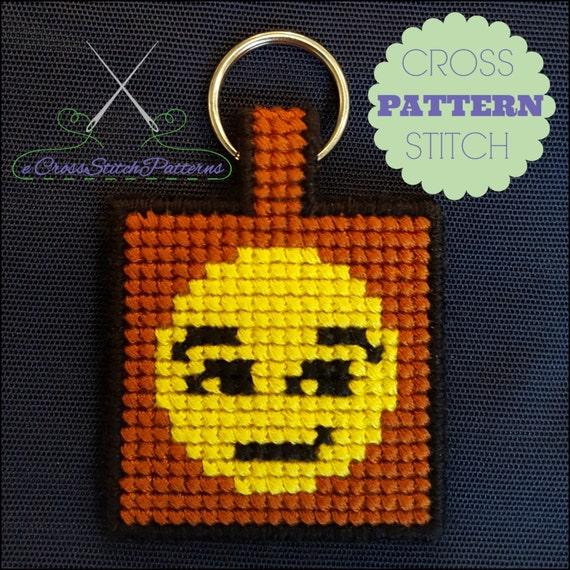 Knitting Emoji Copy : Emoji key chain smirking face cross stitch pattern