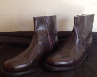 Men's stylish, brown, 10D, zip up, great condition, leather, Haband Brand, MOD, Ankle Boots