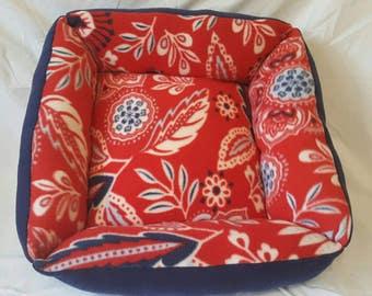 Medium Skyr Red Pet Bed