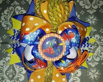 CHARACTER HAIRBOW