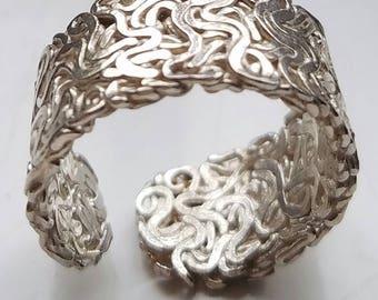Dona Ring