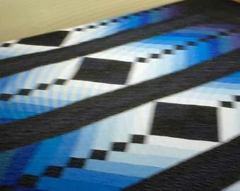 Beautiful French braid 90x100 king quilt in blues
