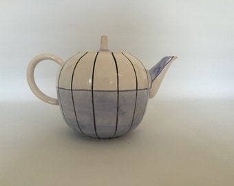 Hedwig Balogun Habib teapot