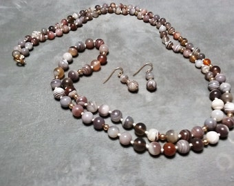 "Banded Agate Necklace 36"" and Earrings"