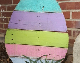 Reclaimed Pallet Easter Egg Door Hanger