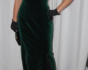 Forest green long velvet bombshell dress | Hourglass  Pin Up | Strapless sweetheart dress | Women's formal wedding guest | Summer | 7 | 8