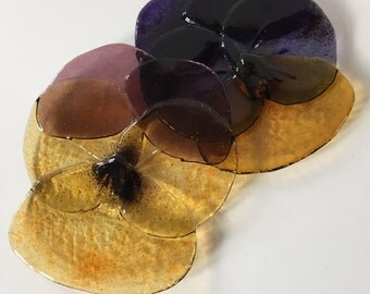 Viooltjes/Pansies glass fused plate/bearer/dish