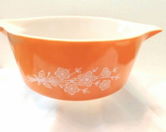 Vintage PYREX mixing or serving bowl Butterfly Gold #1 pattern