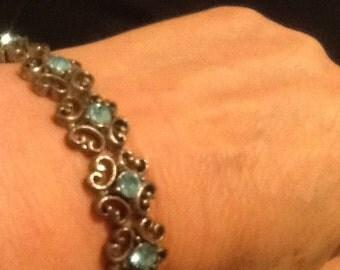 Vintage bracelet ~ Ships FAST & FREE
