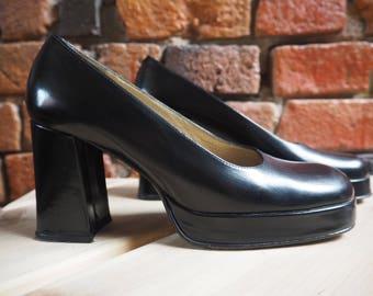 Women's 90s Calderone Black Slip On Block Heels With Small Platform Size US 6
