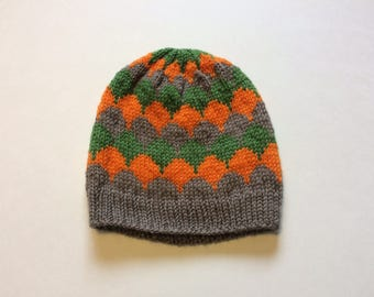 Child's Knit Scallops Hat