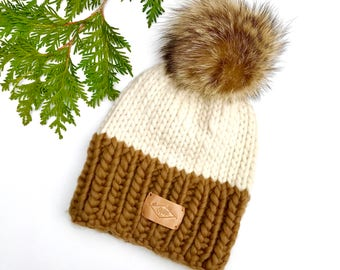 Hat / Pompom / Caramel and cream / wool and recycled fur / Peruvian wool / recycled fur
