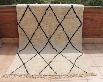 Carpet Beni Ouarain 245x170cm. Handmade Berber carpet. Carpet Beniourain. Berber rug Beni Ourain.