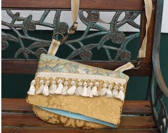 Messenger bag, retro style, Brocade