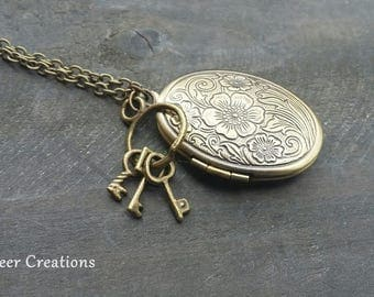 Medallion Medallion chain, chain, chain with a locket, key chain Locket vintage, vintage necklace, remember deceased man